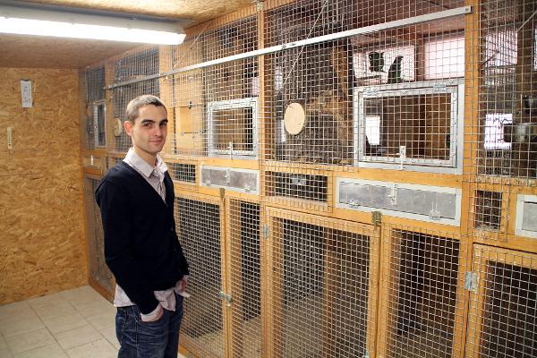 Celkový pohled na zázemí chovného zařízení pro amazoňany a papoušky patagonské (Foto: Jan Potůček, Ararauna.cz)