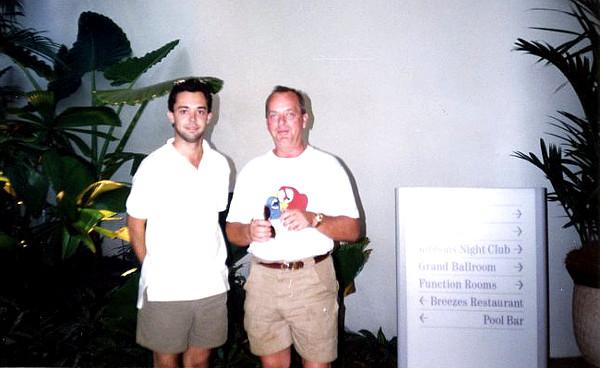 Tony Silva na společném výletě s majitelem Loro parque Wolfgangen Kiesslengem (Foto: archiv Tonyho Silvy)