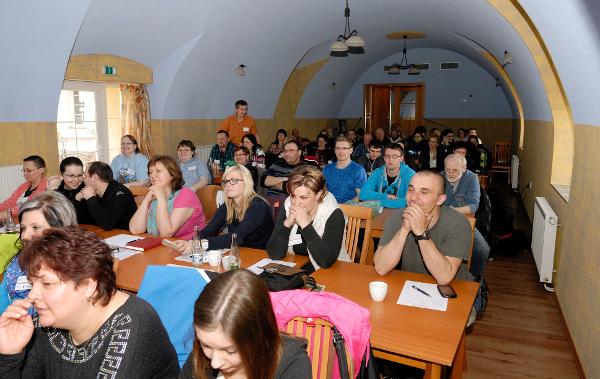 Semináře o metodě pozitivního upěvňování se zúčastnilo na šedesát zájemců z celé republiky (Foto: Ing. Jiří Holý)