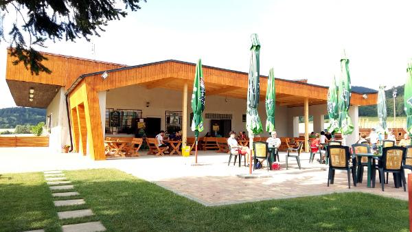 Oproti loňsku prošla místní restaurace na Krásném u Šumperka rekonstrukcí (Foto: Zdeněk Krňávek)
