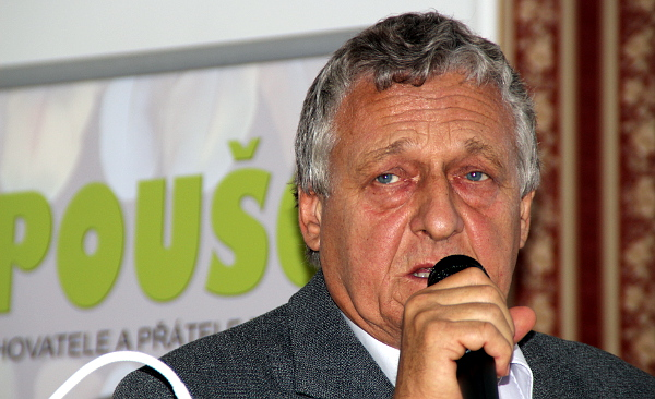 Jan Nedělník na semináři pohovořil o svém celoživotním chovu amazoňanů (Foto: Jan Potůček, Ararauna.cz)