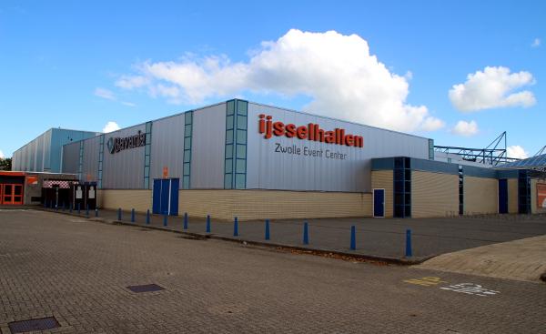 Výstavní a prodejní hala v holandském Zwolle, místo konání burzy (Foto: Jan Potůček, Ararauna.cz)