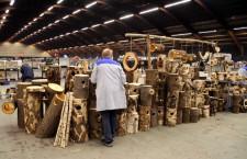 Na burze ve Zwolle se neprodávají jen ptáci, ale třeba i hnízdní budky (Foto: Jan Potůček, Ararauna.cz)