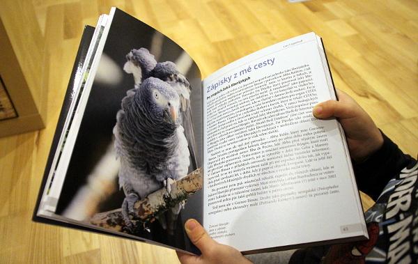 Na knize Žakové je nejzajímavější první polovina, která se plná reportážních poznámek z cest za žaky do Afriky (Foto: Jan Potůček, Ararauna.cz)