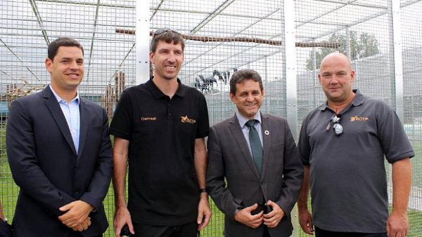 ACTP zahájilo přípravy návratu arů škraboškových do Brazílie. Vybraní ptáci mají novou voliéru