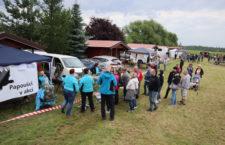 Ani déšť nepřekazil druhý ročník srazu chovatelů papoušků ve Vysoké Peci u Chomutova