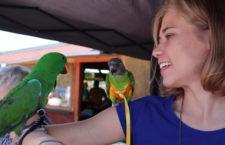 Druhý Papouščí den na východočeské Rozkoši přilákal na 3 000 návštěvníků. Obdivovali 60 exotů